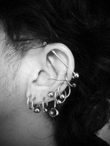 miyawaki body piercing ear loob helix insutrial